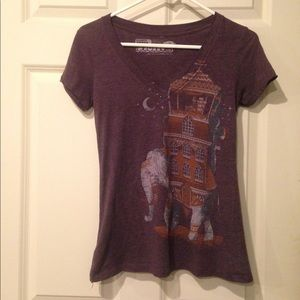 Tops - Elephant Graphic V-Neck Tee